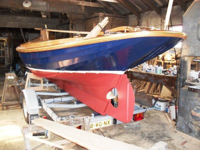 Ian Richardson, Boatbuilder. 'Wonne'