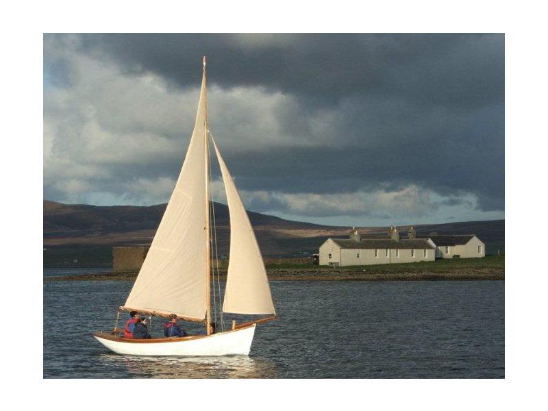 rel=group title=Ian Richardson, Boatbuilder. 'Eve'